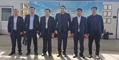 乌兹别克斯坦大使馆商务参展莅临华亚指导参观